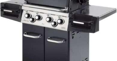 Broil King Regal 490 Pro Black Gas Grill